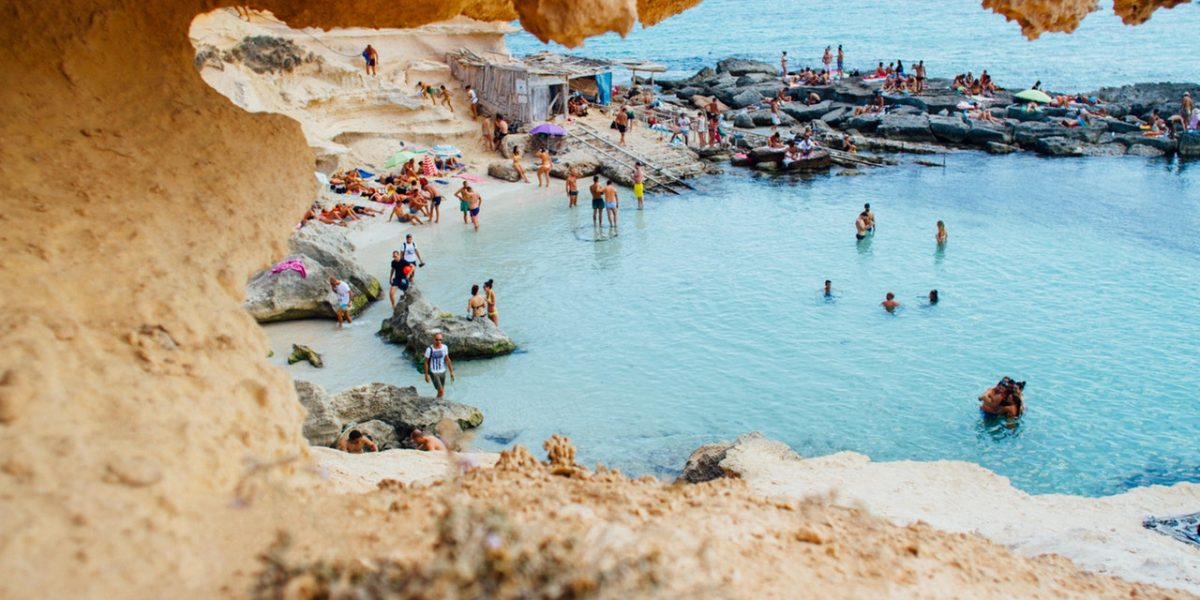 beach-beachlife-blue-307007.jpg